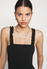 Hollister Co. - RUFFLE STRAP CAMI - Top - black - 3