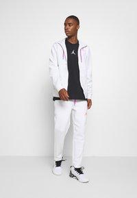 Jordan - AIR PANT - Pantaloni sportivi - white/vivid purple/infrared - 1