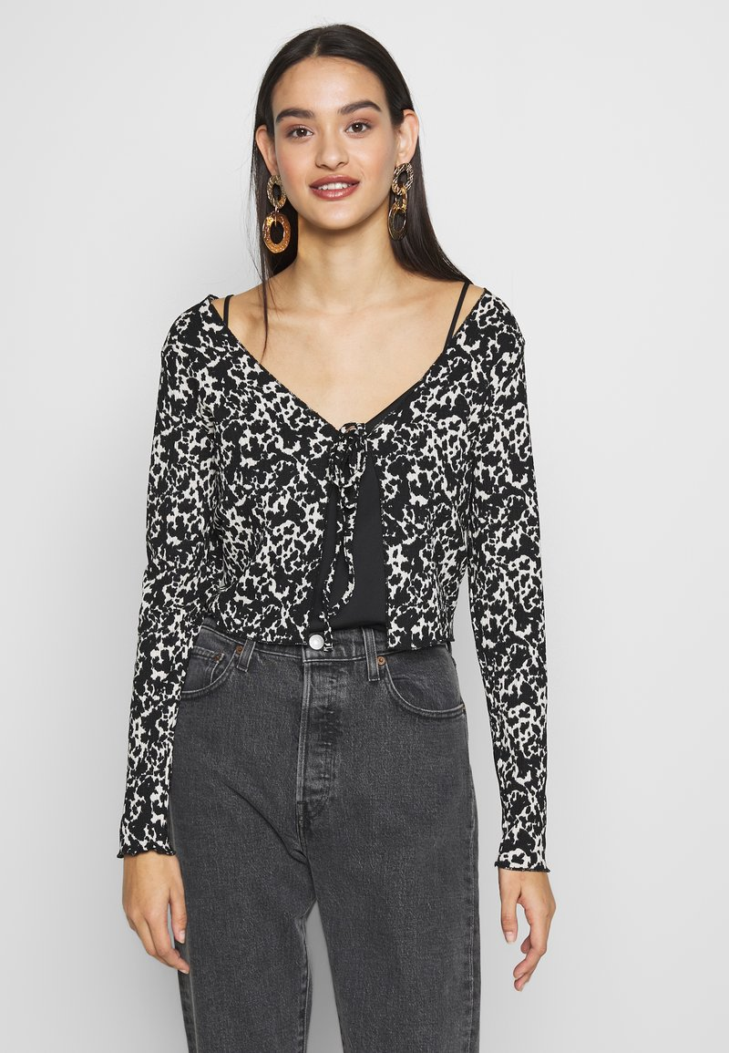 Topshop - ABSTRACT CRINKLE - Gilet - black