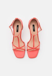 ONLY SHOES - ONLALYX T-BAR - Sandales - coral - 5