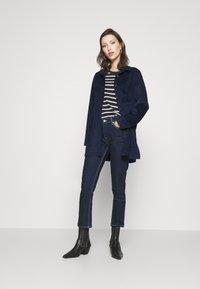Ivy Copenhagen - LAVINA MOM - Relaxed fit jeans - denim blue - 1