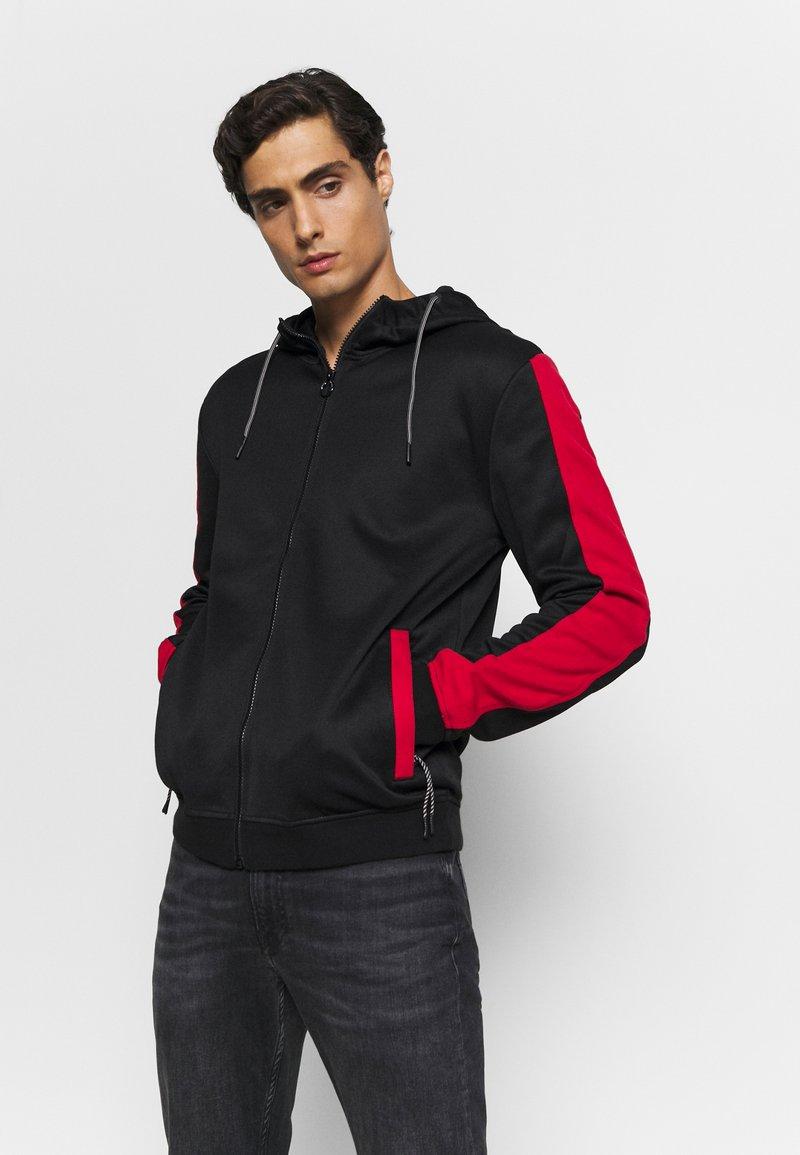 Guess - ALBERT TRUCK  - Zip-up hoodie - jet black