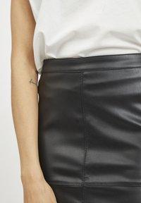 Vila - VIPEN - Pencil skirt - black