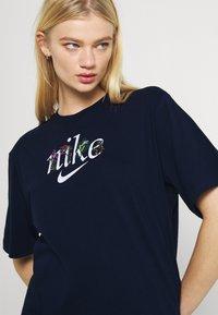 Nike Sportswear - BOXY NATURE - Print T-shirt - obsidian - 3
