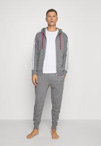 Lyle & Scott - MAXWELL 3 PACK - Pyjama top - bright white/grey marl/black - 0
