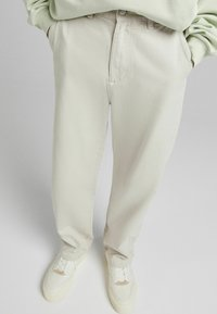 Bershka - Relaxed fit jeans - sand - 3