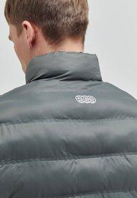 PULL&BEAR - Winter jacket - khaki - 5