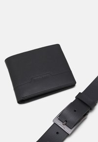 Pier One - LEATHER SET WALLET & BELT - Peněženka - black - 5