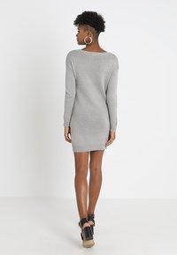 Object - OBJDEAH DRESS - Pletené šaty - light grey melange - 2