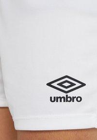Umbro - Sportovní kraťasy - white - 5