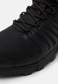 Inov-8 - ROCLITE G 345 GTX - Zapatillas de senderismo - black - 5