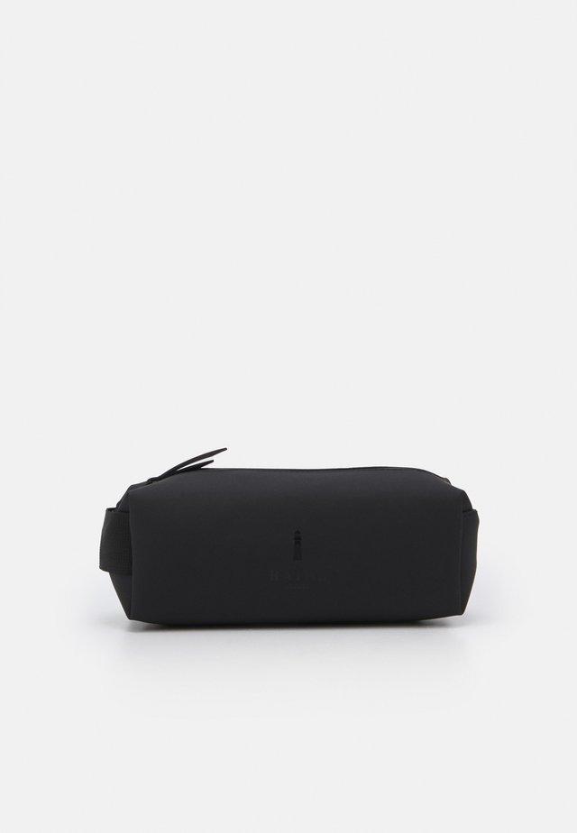 PENCIL CASE - Kosmetická taška - black