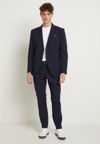 Selected Homme - SHDNEWONE MYLOLOGAN SLIM FIT - Suit - navy blazer - 2