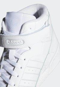 adidas Originals - FORUM MID UNISEX - Sneakers alte - ftwr white/ftwr white/ftwr white - 7