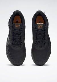 Reebok - RIDGERIDER GTX 5.0 SHOES - Hiking shoes - black - 2