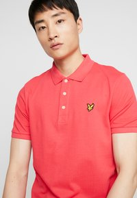 Lyle & Scott - Polo shirt - geranium pink - 3