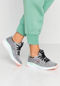 Skechers Sport - SOLAR FUSE - Trainers - gray/black/pink/mint - 0
