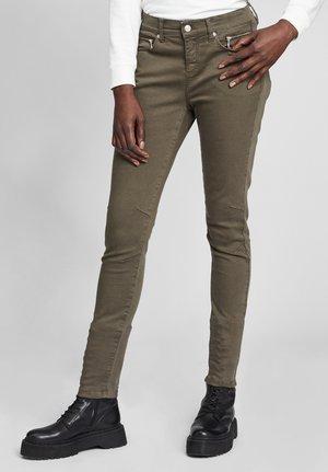 Jeans Skinny Fit - dunkelgrün