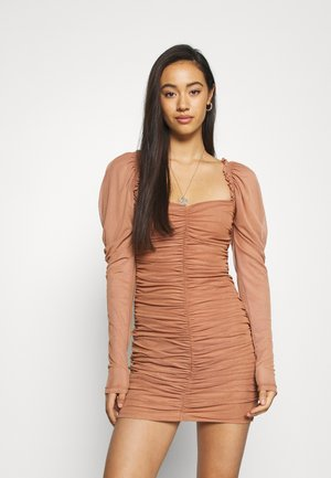 LONG SLEEVE DRESS - Vestido de cóctel - tan