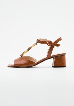 AMALITA - Sandály - nougat