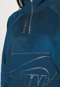 Nike Sportswear - Mikina - valerian blue/deep ocean/metallic gold - 4