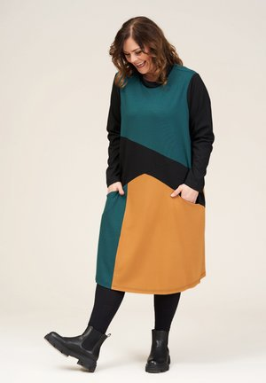 NIKOLINE  - Gebreide jurk - multicolour