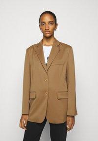 MM6 Maison Margiela - Short coat - camel - 0