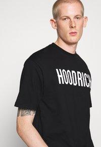 Hoodrich - CORE - Print T-shirt - black - 4