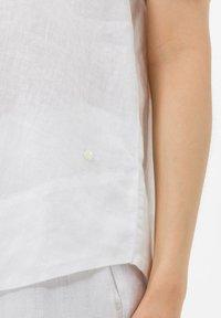 BRAX - STYLE VELIA - Button-down blouse - white - 4