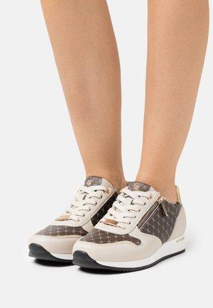 DJANA - Sneakersy niskie - beige/gold