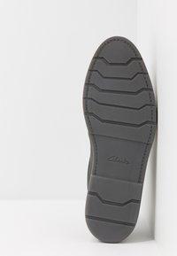 Clarks - GRANDIN PLAIN - Casual lace-ups - black - 4