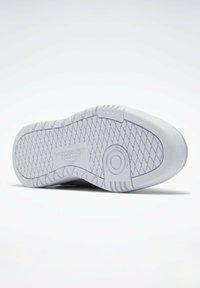 Reebok Classic - Sneakersy niskie - grey - 4