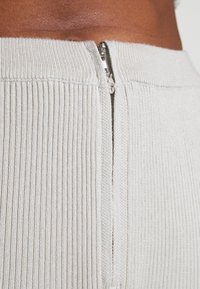 Missguided - ZIP FRONT CORSET AND FLARE SET - Cardigan - sage - 5
