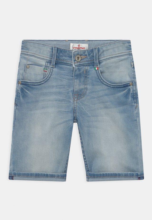 CHARLIE - Denim shorts - light blue denim