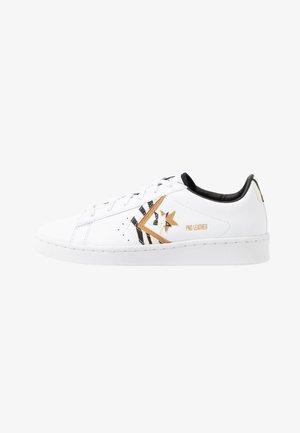 PRO  - Trainers - white/egret/soba