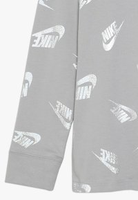 Nike Sportswear - WINTERIZED - Långärmad tröja - atmosphere grey - 2