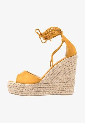 MAREA - Sandaler med høye hæler - mustard