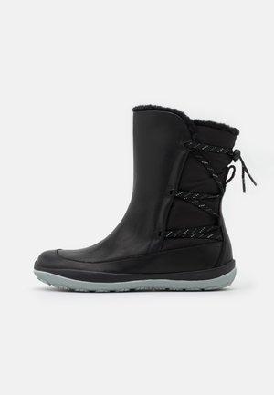 PEU PISTA - Vinterstøvler - black