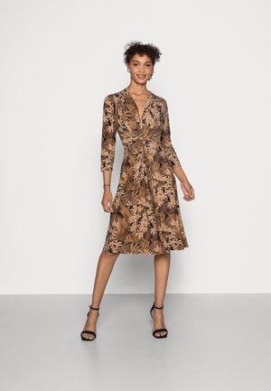 DRESS - Jersey dress - ginger root
