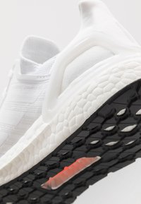 adidas Performance - ULTRABOOST 20  - Zapatillas de running neutras - footwear white/grey three/core black - 5