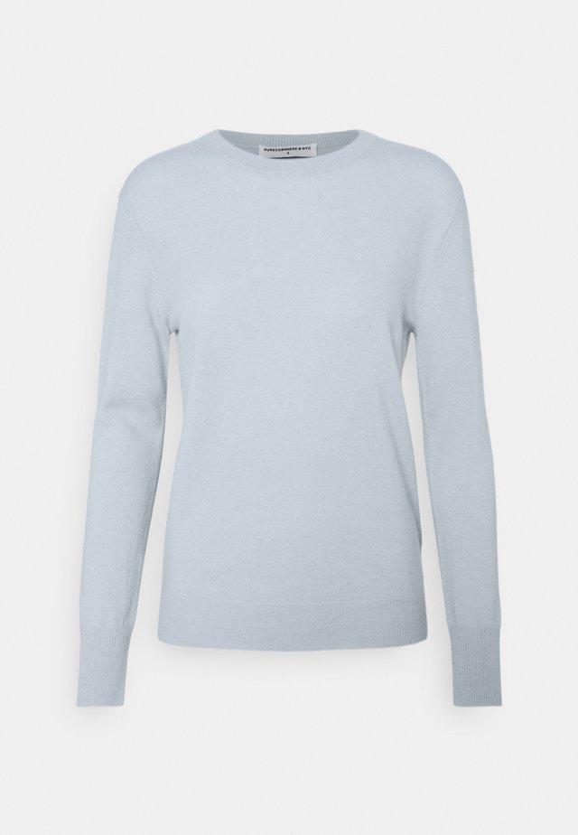 CLASSIC CREW NECK  - Stickad tröja - baby blue