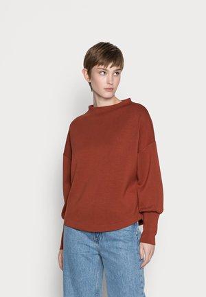 BYPUSTI - Long sleeved top - brown