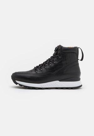 BOLCHESTER - Sneakers hoog - black