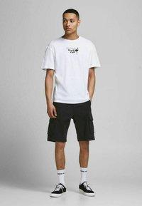 Jack & Jones - Shorts - black - 1