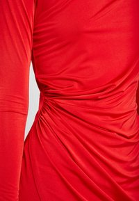 Nly by Nelly - DRAPE NECK DRESS - Sukienka koktajlowa - red - 5