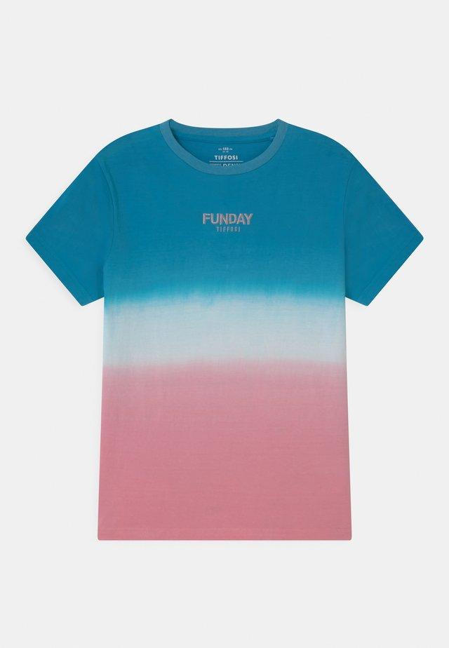 JUAREZ - T-shirts med print - blue