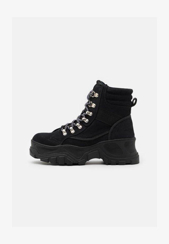 FENDO - Kotníkové boty na platformě - black
