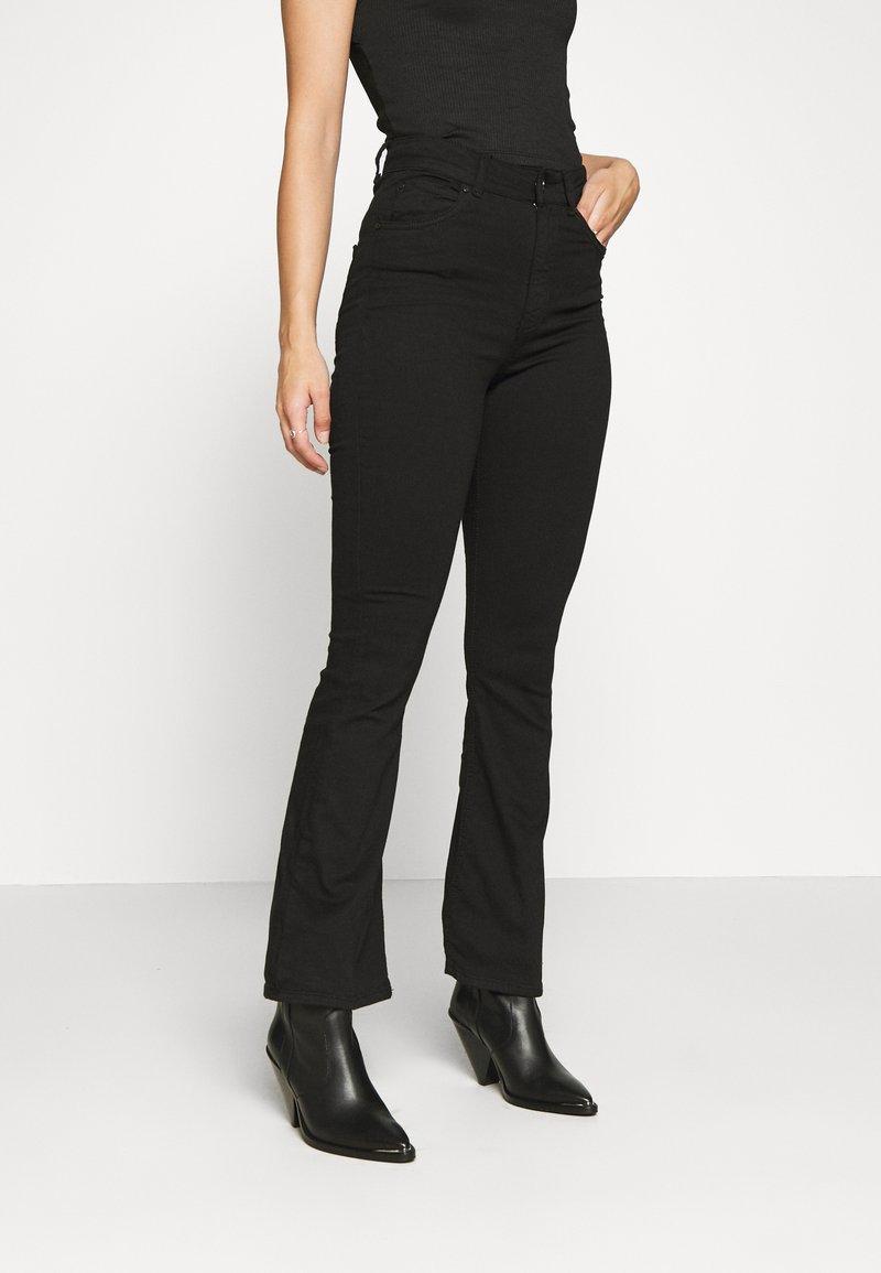 Gina Tricot Petite - NATASHA  - Bootcut jeans - black