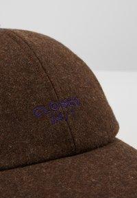 CLOSED - Kšiltovka - fallow brown - 5