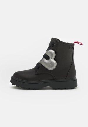 NORTE - Lace-up ankle boots - schwarz
